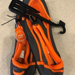 Wonder nation water shoes size 4/5